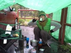 Mirka preukazuje znalosti šľachtického pitia kávy