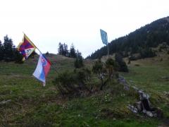 4 nity majú mocnú vlajku, úplne naľavo...škoda, že ju moc nevidno na foto