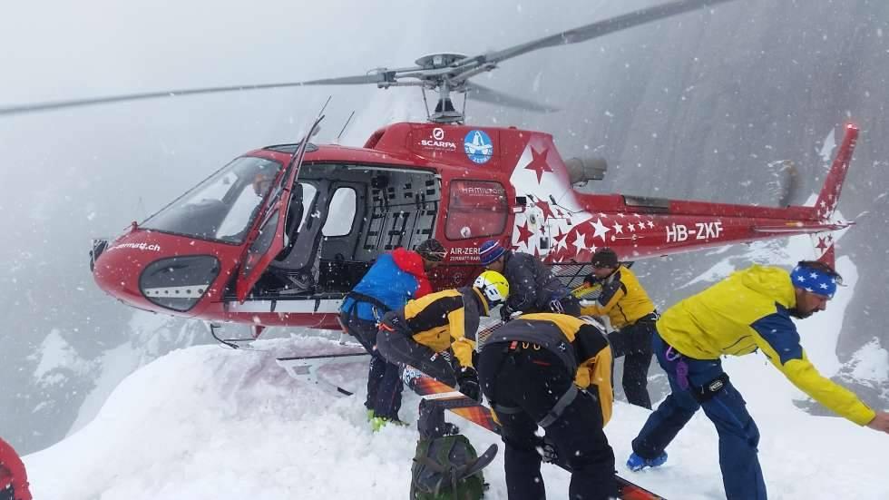 Expresky z hôr 8 - Prílet-vrtulníka, zdroj: blick.ch