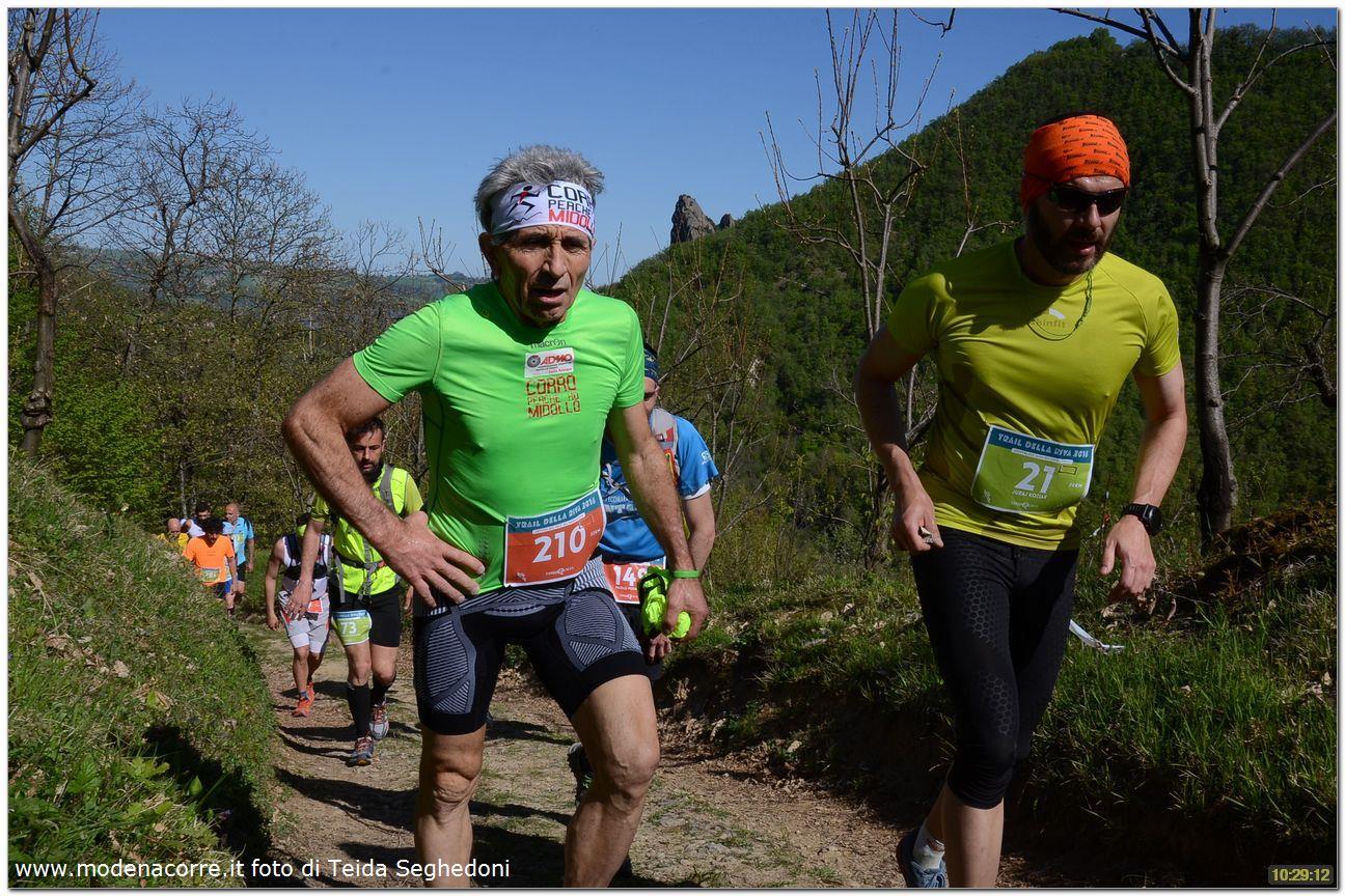 Trail Della Riva - Stúpanie do kopca