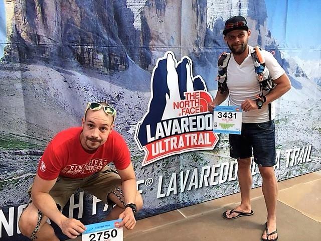 Michal Fronc a Michal Ragač so štartovými číslami Lavarado Ultra Trail