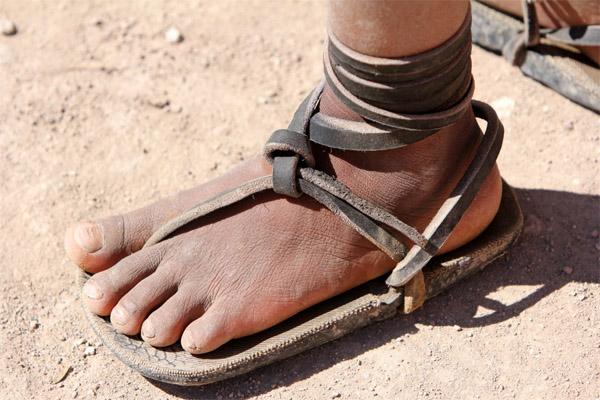 Huarache - bežecké sandále vyrobené zo starých pneumatík