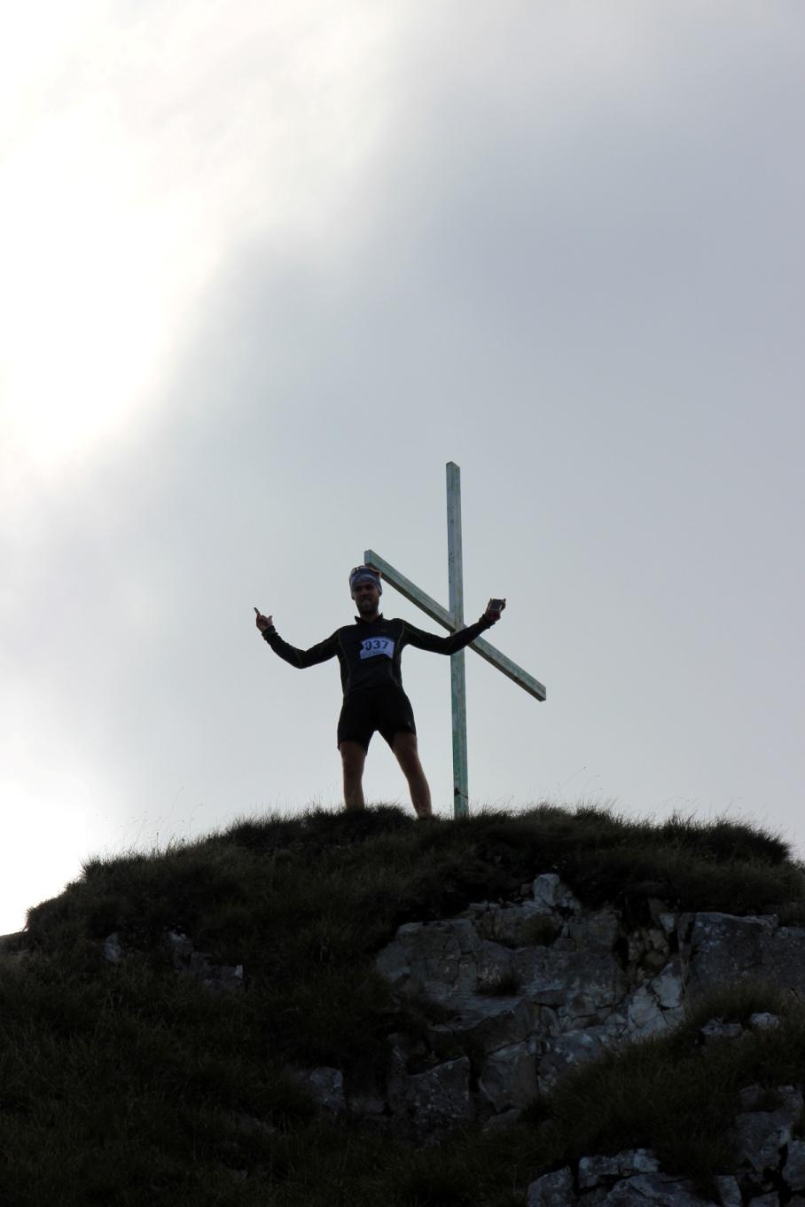Na Vápči pri kríži, beh cez Vápeč