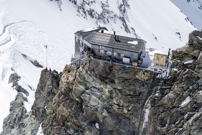 Horská chata Bertol Hut, Haute Route – Švajčiarsko