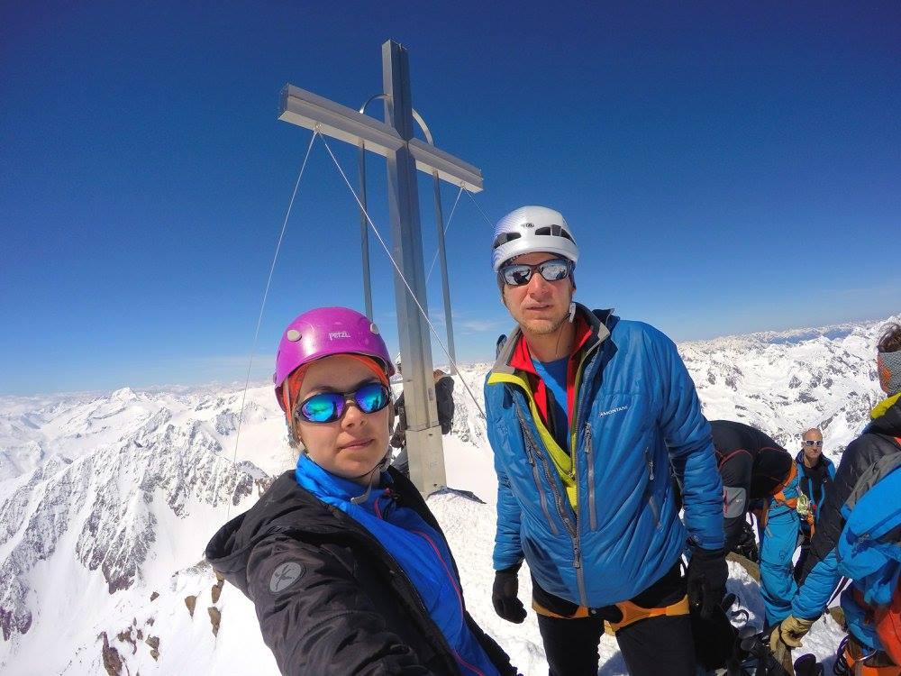 Wildspitze, kríž na ktorý sa je ťažko vyškriabať inak by bola vrcholovka z kríža.