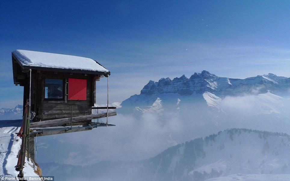 Útuľňa Lone Hut, Alpy - Švajčiarsko, zdroj: Útuľňa Lone Hut, Alpy - Švajčiarsko