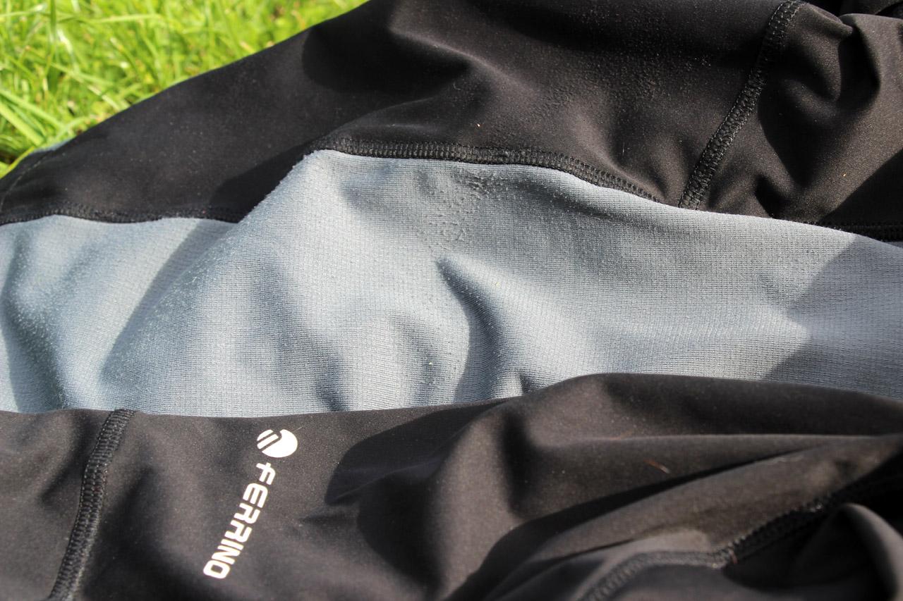Ferrino Hoste bunda - detail chrbtovej časti