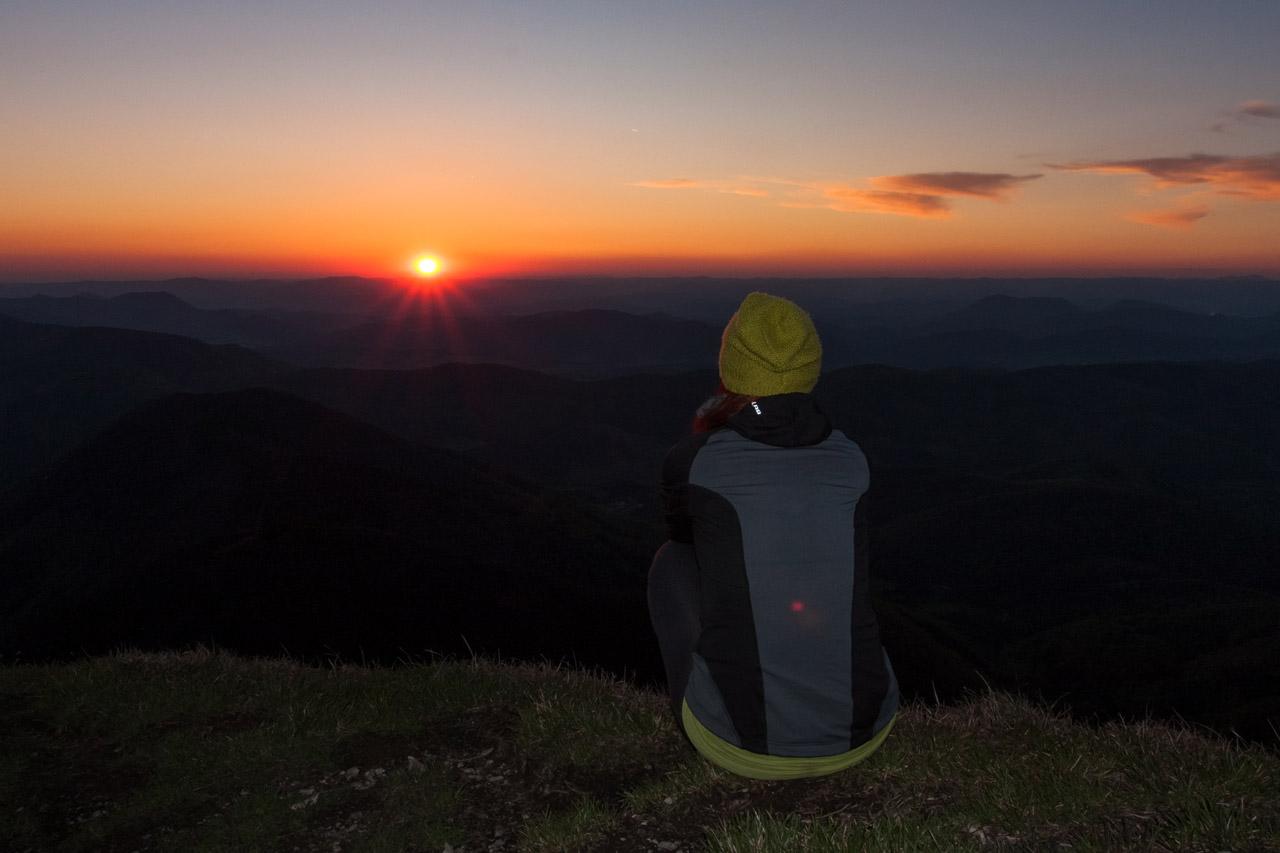 Katka pri západe slnka