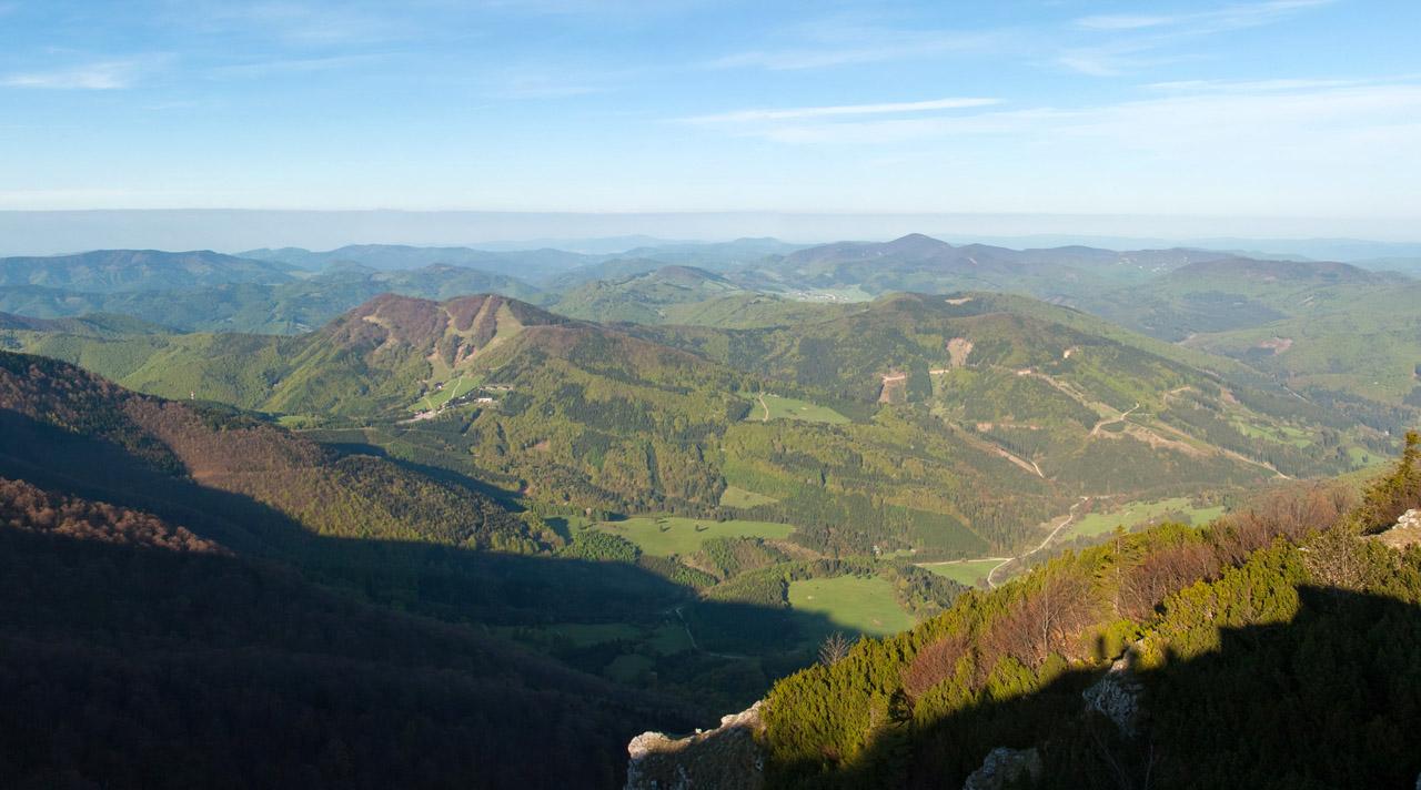 panoráma z kľaku smerom na Strážovské vrchy