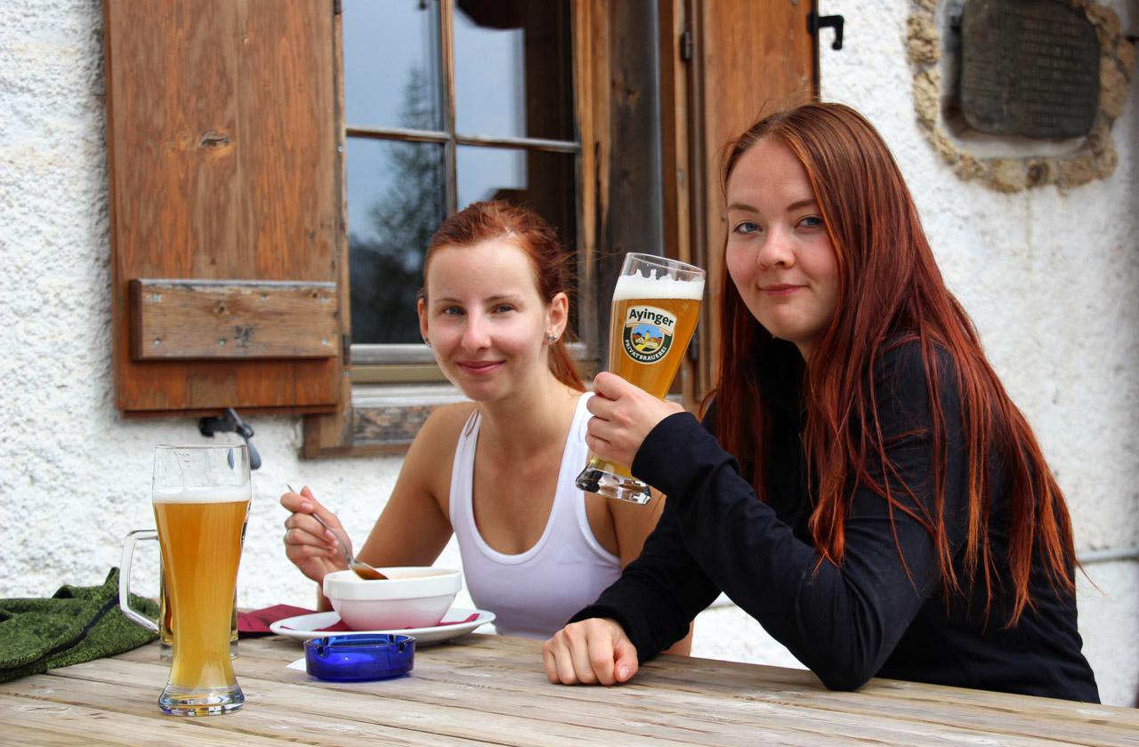 Pivo na Rifugio Croda di Lago, Dolomity