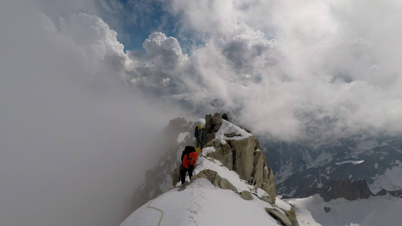 Innominata Integrale snehové pole pobláíž mt. Blanc- u