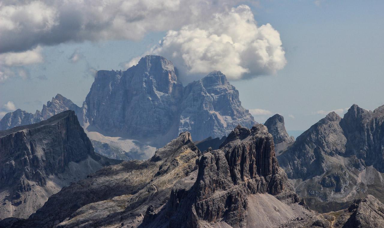 Monte Pelmo v oblakoch, Dolomity