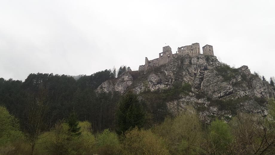 nový hrad v strečne