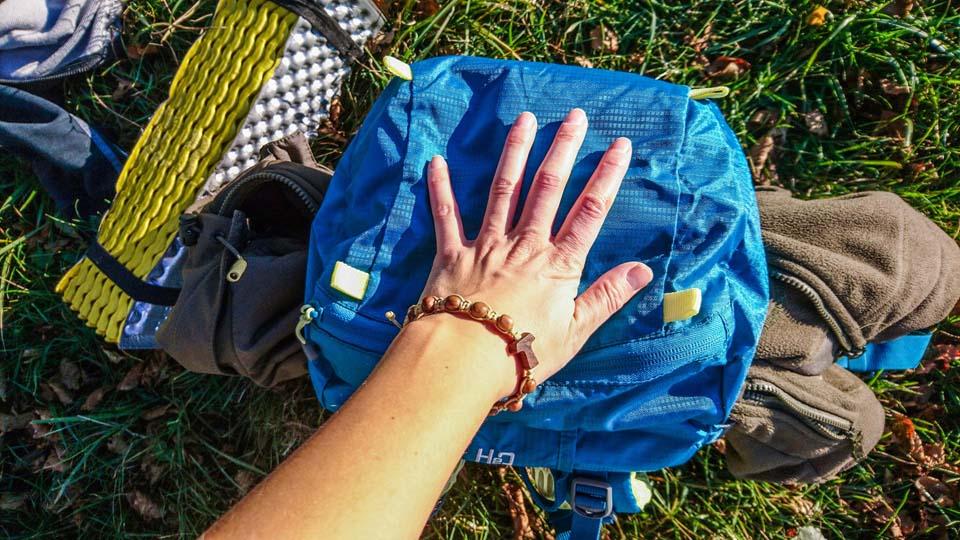 Vrchlík ruksaku Ferrino Finisterre 40 Lady - turistický batoh
