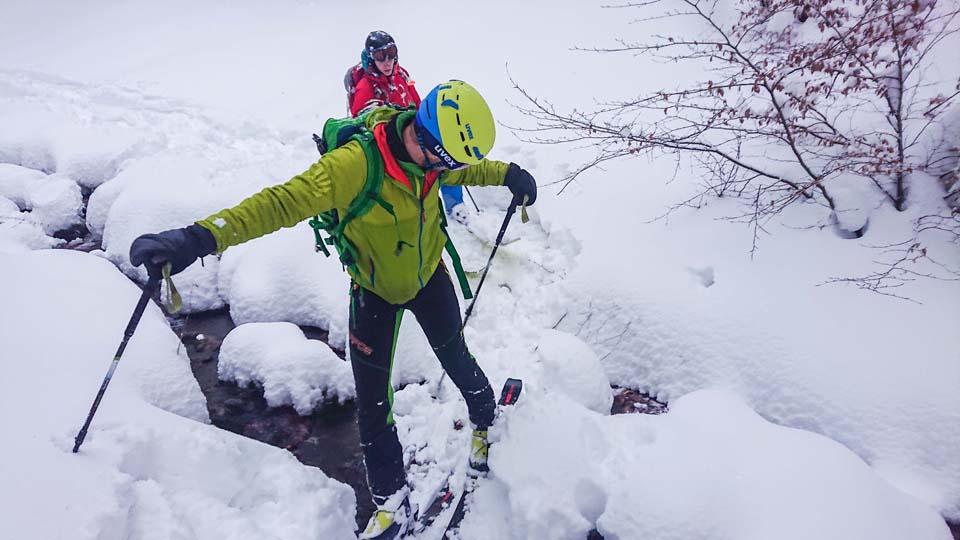 Skialpinistický ruksak Pinguin Ace 27 sme testovali v Malej Fatre na čerstvom prašane. Je skvelý na lyžovanie a aj na výšľap.