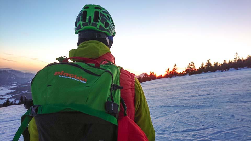 Skialpinistický ruksak Pinguin Ace 27 sme testovali aj pri rýchlom výšľape na Kubínskej Holi