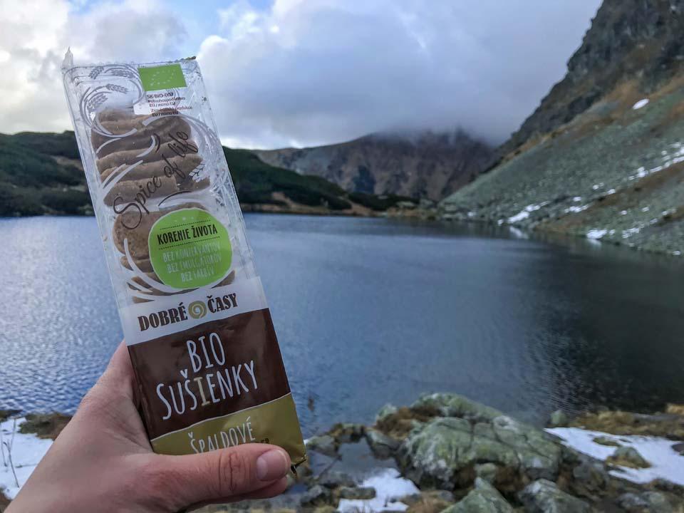 Sušienky Dobré časy sú bio sušienky s poctivou receptúrou a bio zložením, skvelé ako rodinná desiata na hory