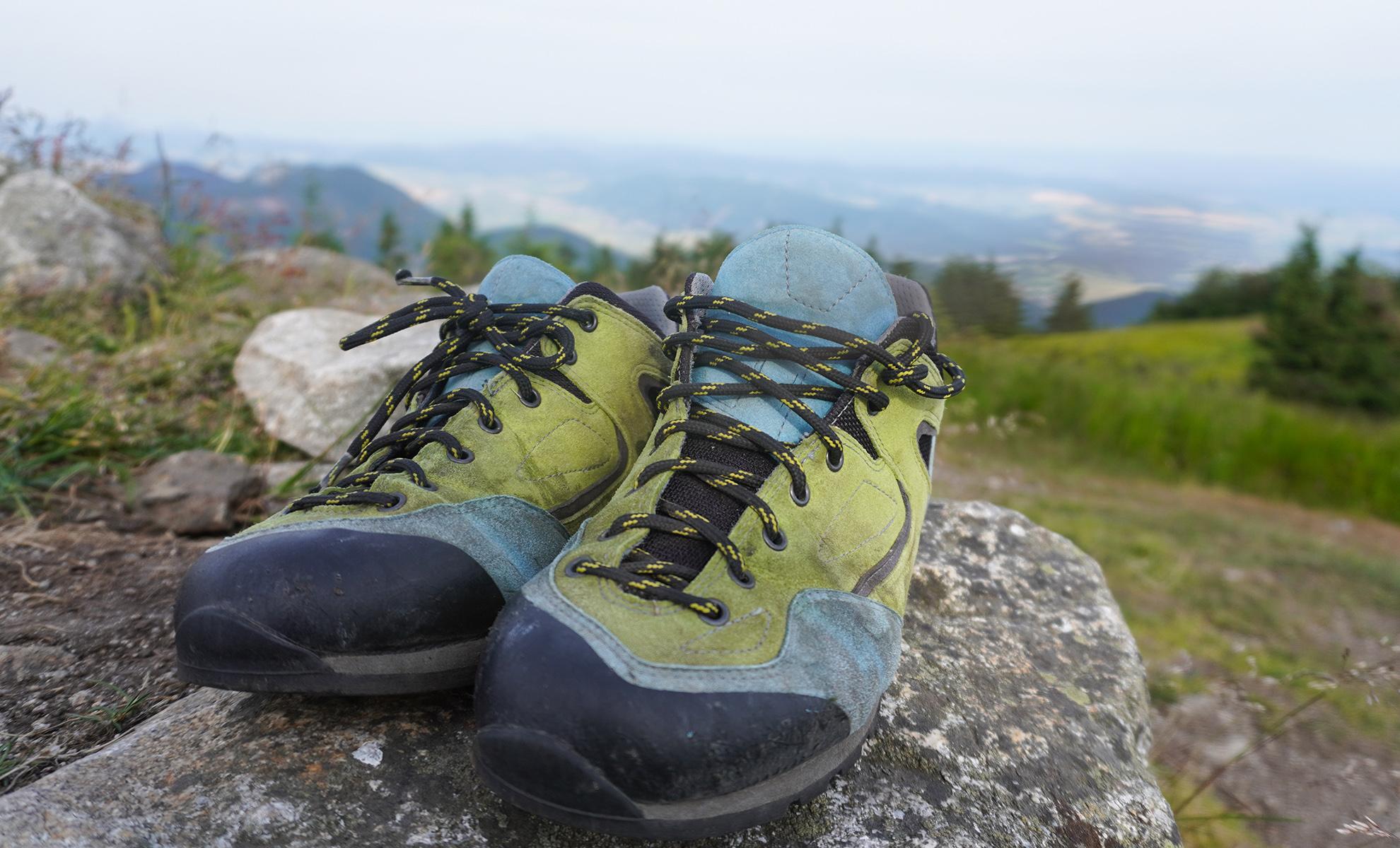 Bosp Grifit trekingové topánky majú výraznu okopovú gumu na prednej časti topánky | recenzia