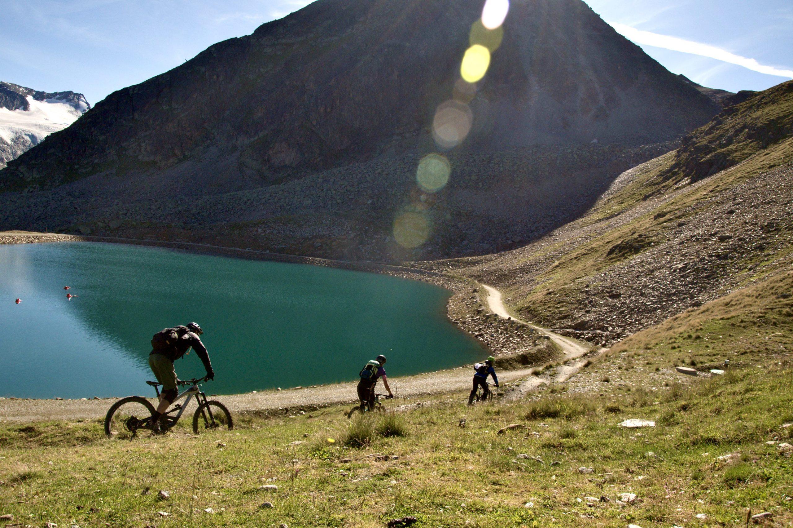 Ollweite line trail okolo vrchného jazera pri Hochkogl chate