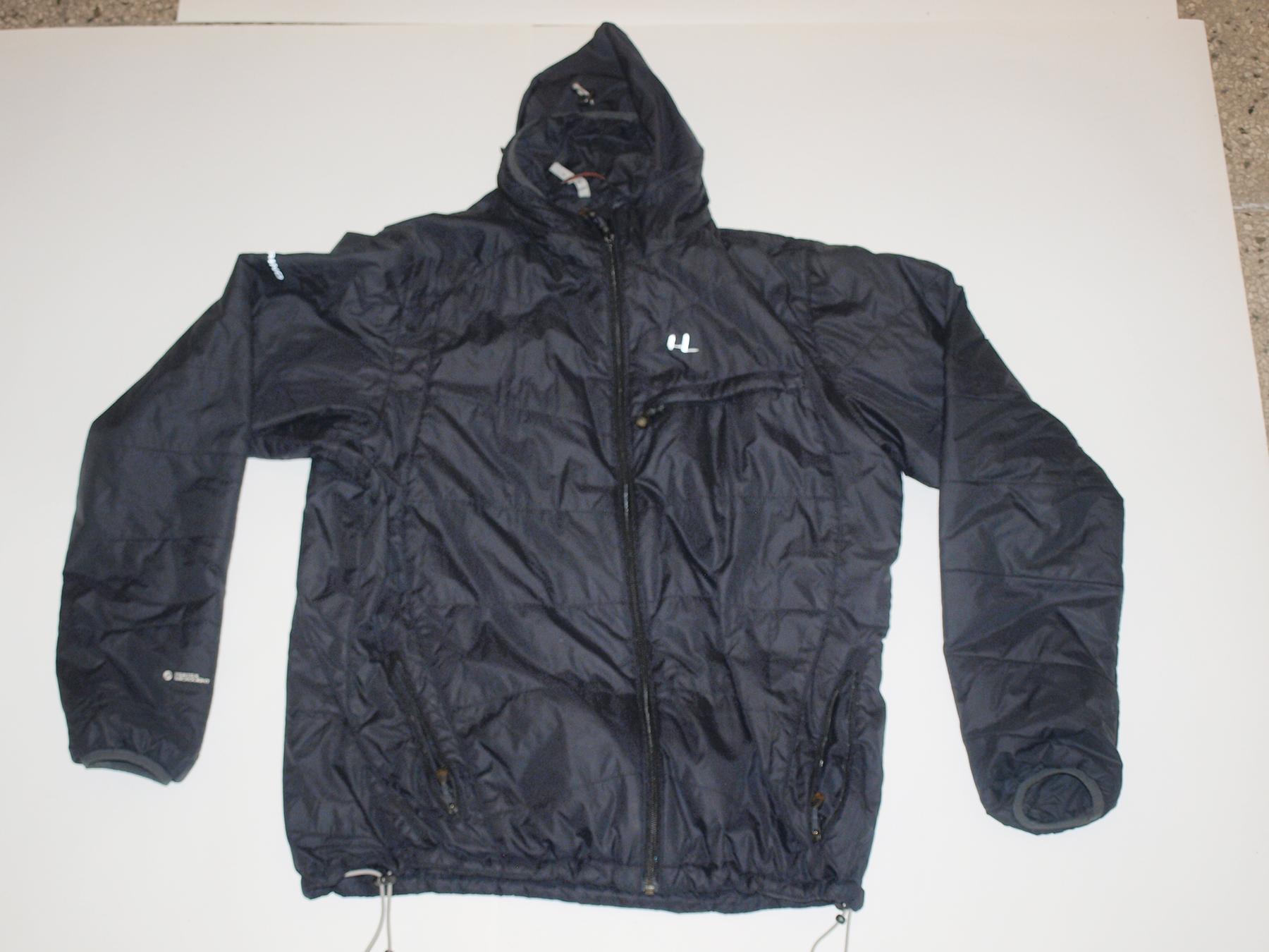 Ferrino primaloft bunda ako súčasť outdooru výbavy