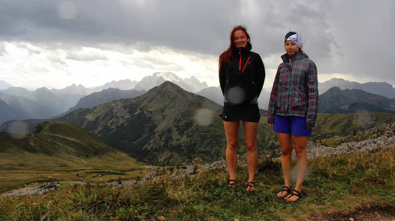 Passo di Giau, v pozadí Marmolada, Dolomity