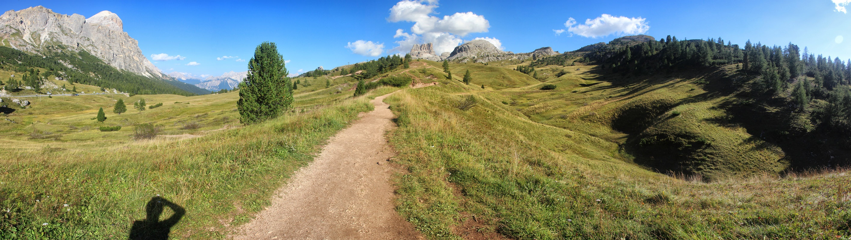 Panoráma z Passo Falzarego, Dolomity