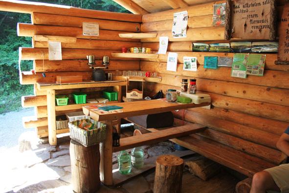 Kuchyňa lesního baru, zdroj: heliosjeseniky.cz
