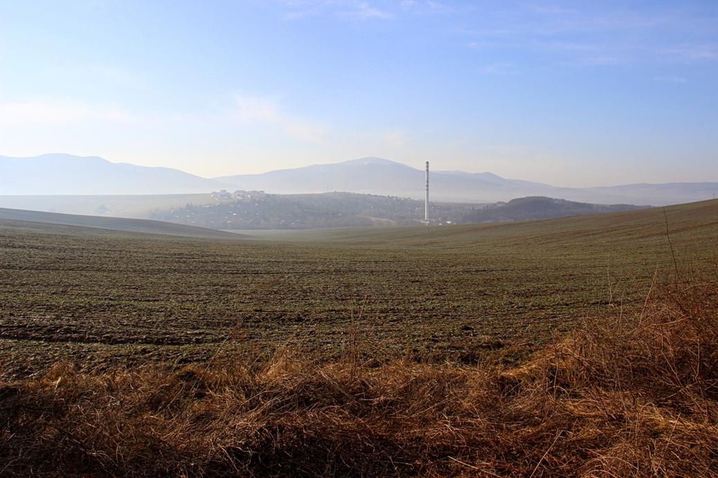 Strážovské vrchy a bežím cez Brezinu popri poliach do Soblahova a hore na kopčeky