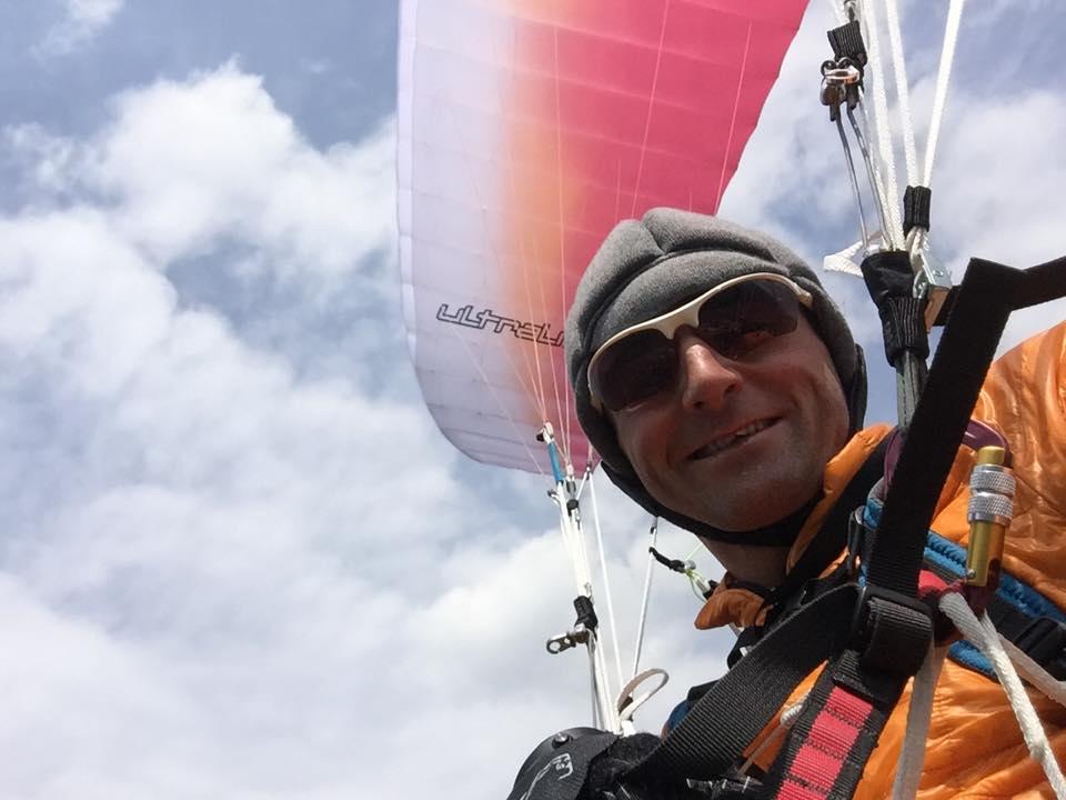 82-summits-ueli-paragliding