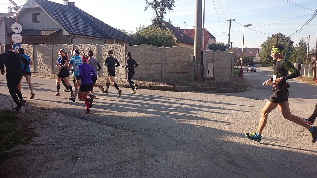 Beh cez Vápeč 2015 po Maťo s Bobčou bežia prvú pasáž