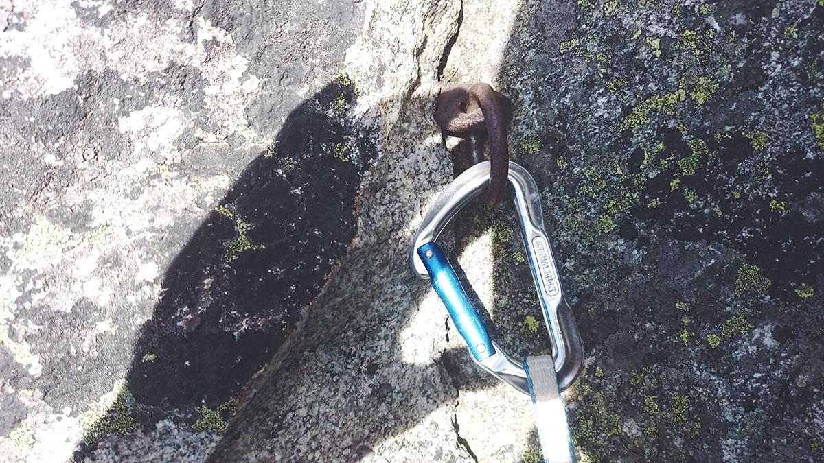 Skobka v prvej dĺžke Štáflovky pod previštekom, Vysoké Tatry