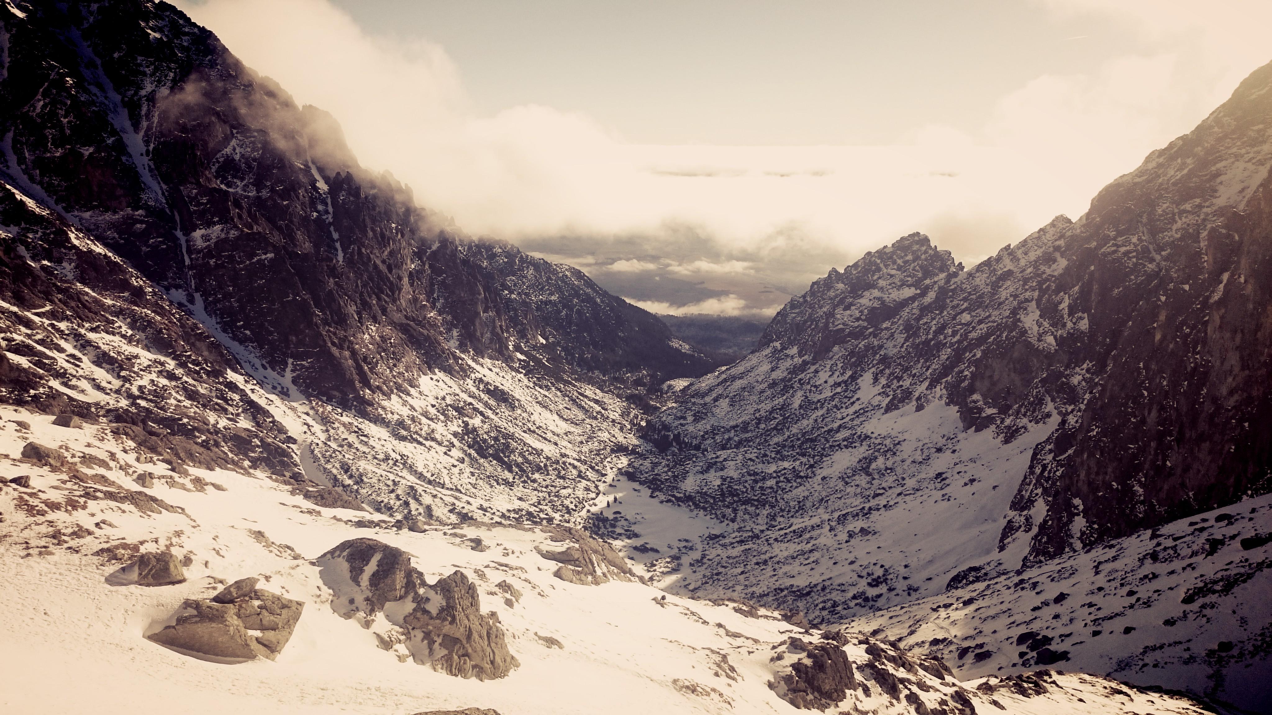 Výhľad do začiatku studenej doliny, Téryho chata