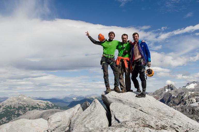 Slovenskí lezci na vrchole expedície Cochamo El pasa