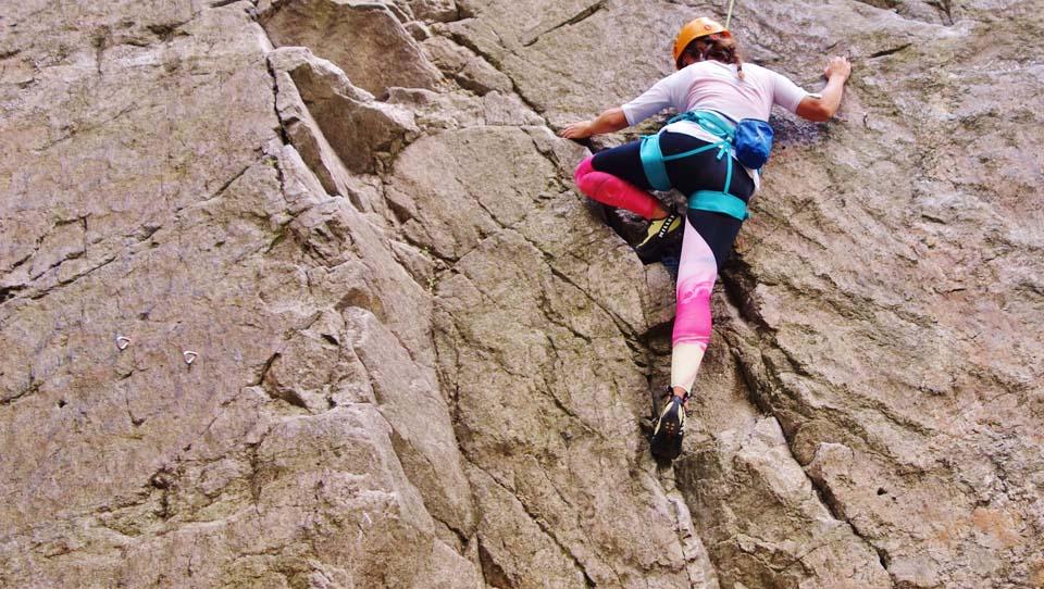 Športové legíny Yoginess pri lezení