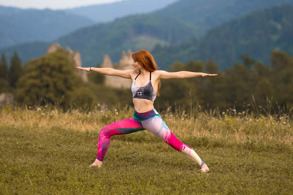 Yoga v prírode a športové oblečnie