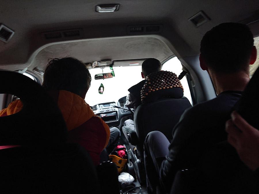Aklimatizácia pre Kazbeg cestou v aute do Juta dedinky, smerom na chaukhi pass