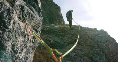 Jubilejná horolezecká cesta na Velický Zub, istenie pod ďalším štandom