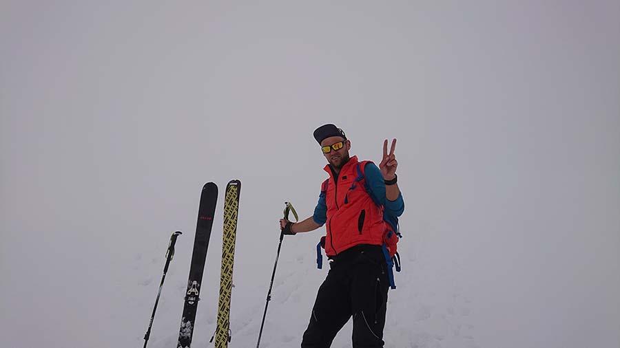 Na dnes sa už počasie pokazilo, ide sa dole z 4500 m.n.m pod Elbrusom