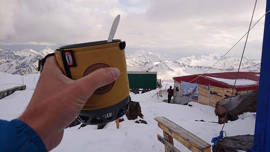 Voľný čas trávim tým, že sa snažím do seba dostať čo najviac varených živín./ Elbrus