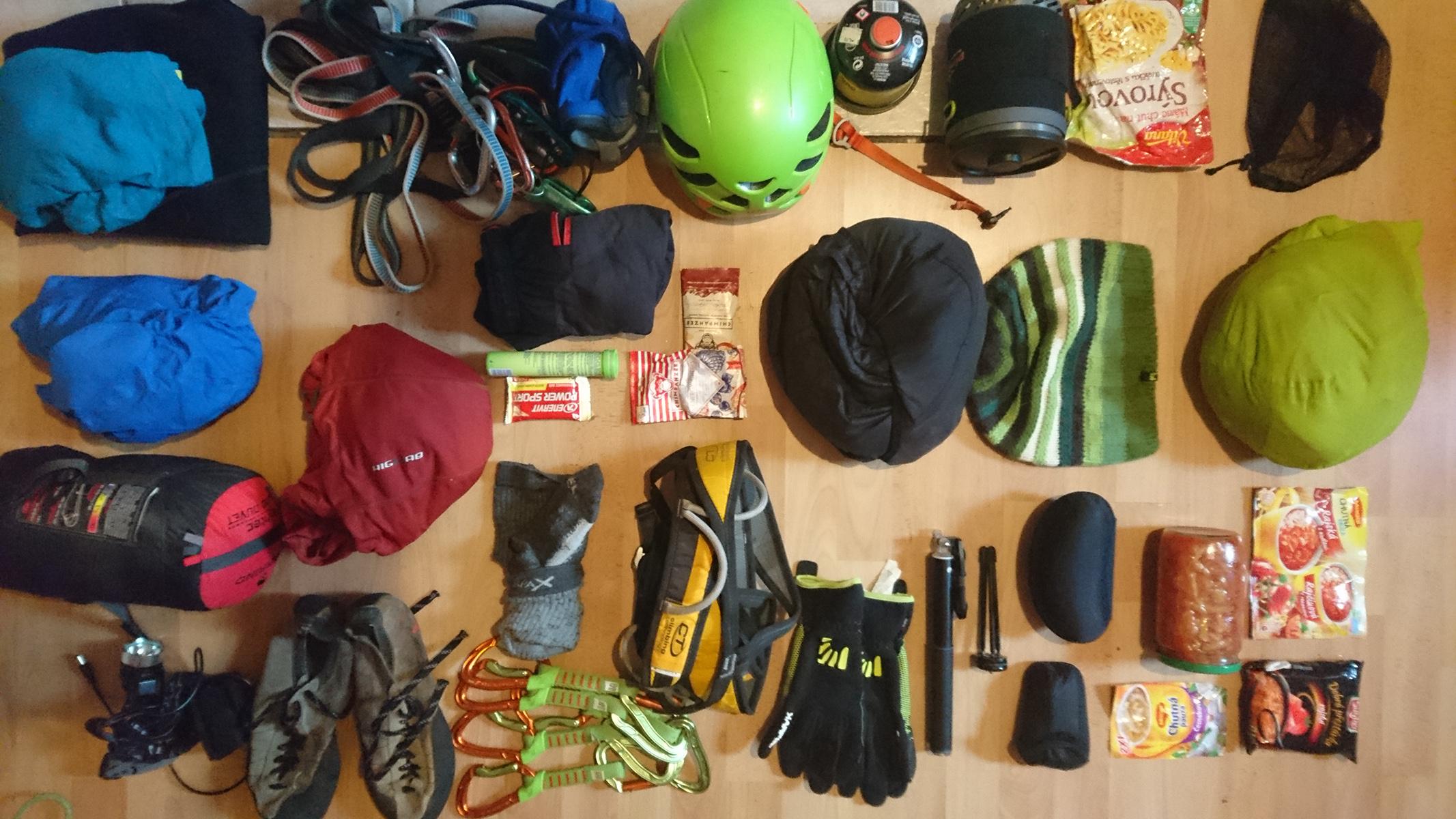 horolezecka prilba orion ako súčast horolezeckej vybavy