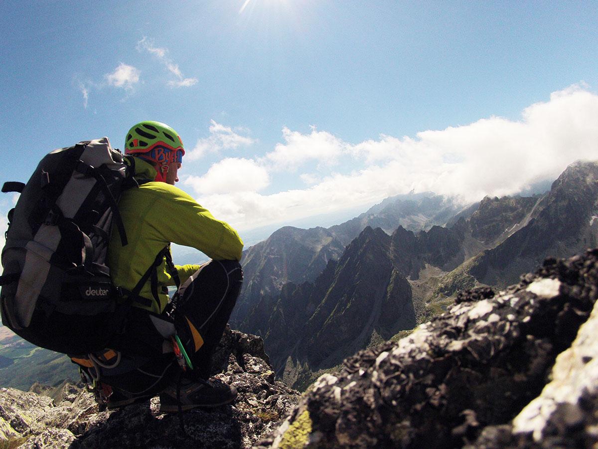 horolezecka prilba orion na Lomnickom stite