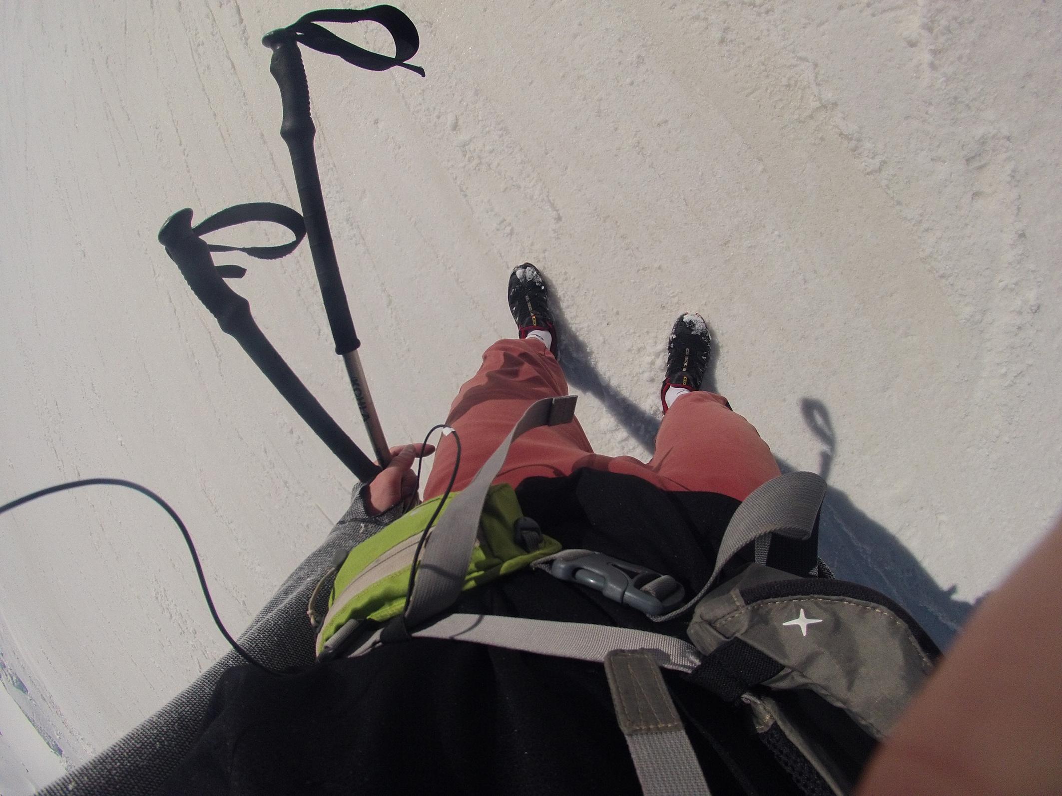 aktuálna výbava na tele: bežecká kapsička ferrino v kombinácií s ruksakom Camp X-3 600