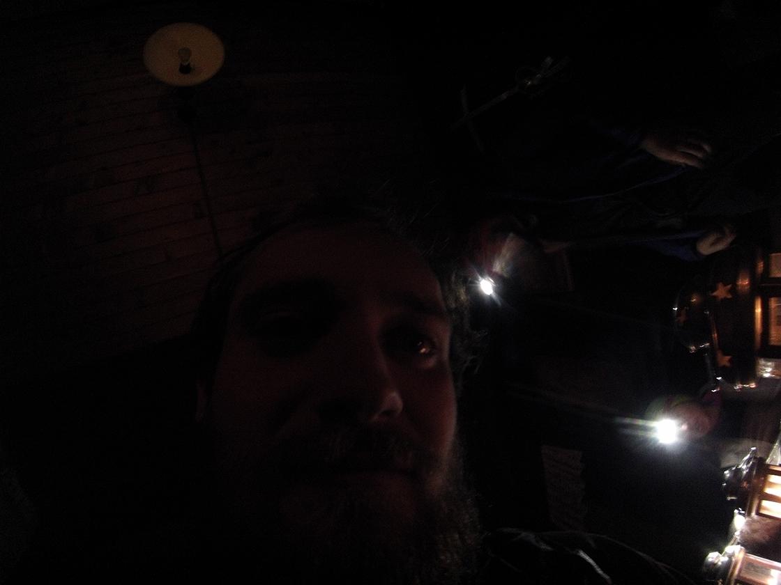 Na Téryho chate je výpadok elektriny a Mičbjuk objavol čaro, fote s goPRO v tme