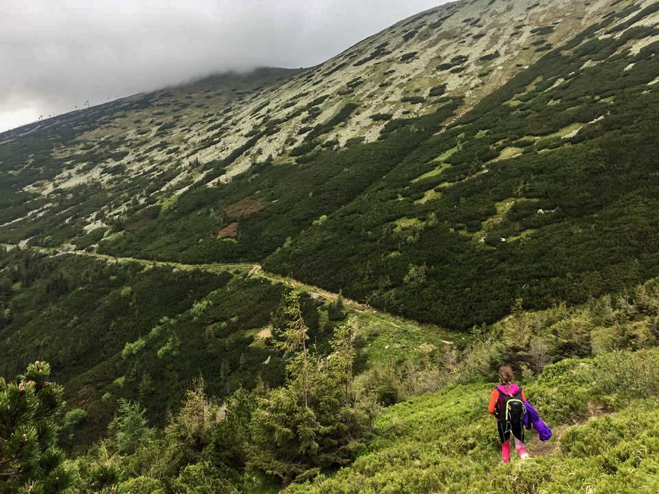 Hrebeňovka Nízkych Tatier Trošku sme zišli z plánovanej trasy