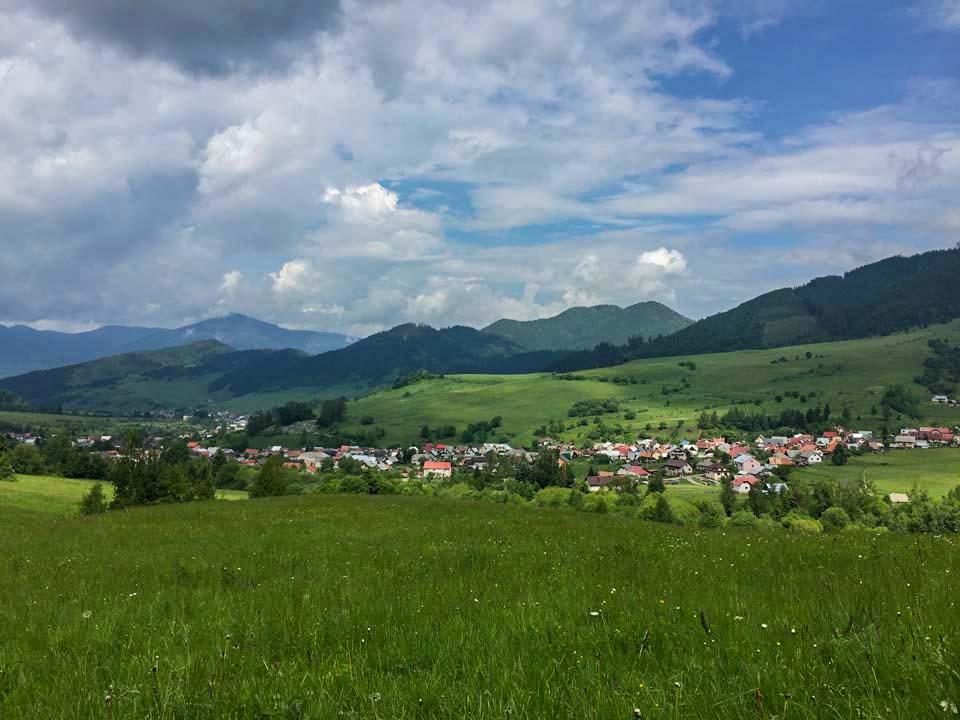 Hrebeňovka Nízkych Tatier Výhľad na milé údolie