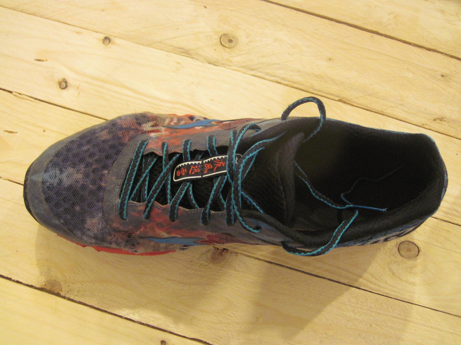 Bežecké tenisky, Mizuno Wave Hayate šnurovanie topánky