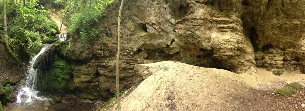 je to sústava vodopádov, tento je povyše asi 80m...