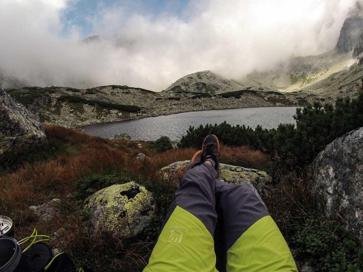 Karpos rock fly, turistické a lezecké nohavice, spevnená nohav9c z predu. outdoor recenzia