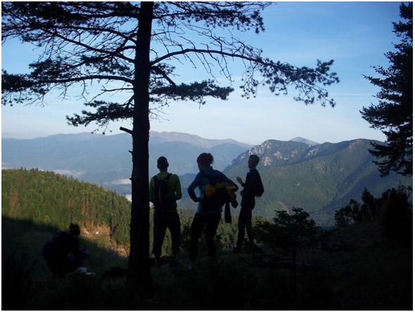 Koruna oravy a výhľad na posledný vrchol