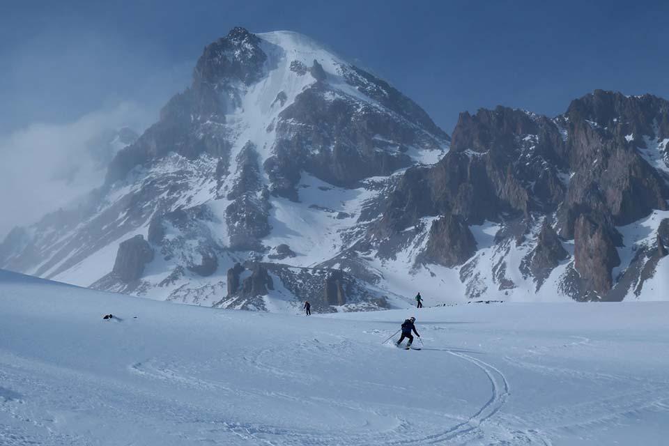 2018-Gruzinsko-Skialp-lyžovanie